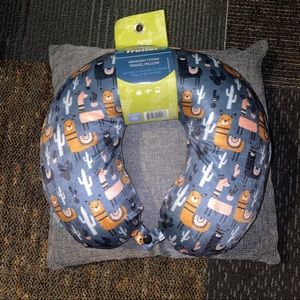 ⚡️2 for $22⚡️Memory Foam Travel Pillow 💕NWT
